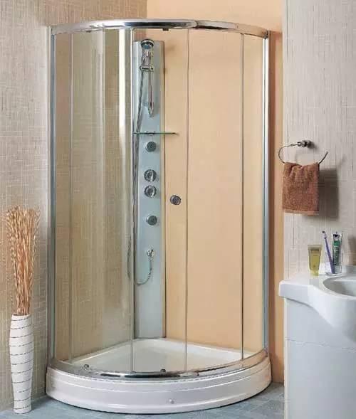 淋浴房玻璃清洁太累人, 六招教你扫除顽固污渍!